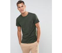 T-Shirt in klassischer regulärer Passform in Tannengrün Grün