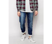 Enge Jeans im mittelhellen Used-Look mit verdrehten Nähten Blau