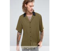 Regulär geschnittenes Hemd mit kontrastierendem Revers-Kragen Grün