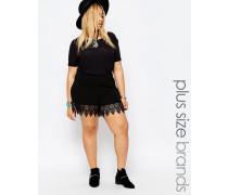 Shorts mit Spitzenbesatz Schwarz