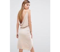 Anschmiegsames Kleid mit Wickeloptik vorn und Wasserfallausschnitt hinten Rosa