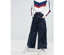 Ausgestellte Jeans mit Taschendetail Blau