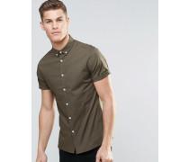 Eng geschnittenes, kurzärmeliges Hemd in Khaki mit Button-Down-Kragen Grün