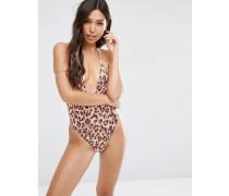 Tief ausgeschnittener Badeanzug mit T-Rücken, hohem Beinausschnitt und Leopardenprint in Natur Mehrfarbig