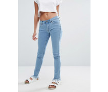 Enge Jeans mit mittelhohem Bund und Fransensaum Blau