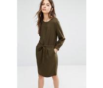 Kleid mit weichen Falten und Gürtel Grün