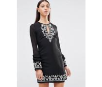 Langärmliges Kleid mit Schlüssellochausschnitt vorn, Rüschen und Stickerei Schwarz