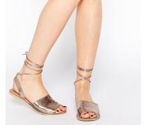 FRIENDSHIP Leder-Sandalen mit Beinschnürung Gold