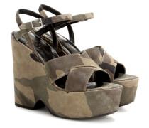 Wedge-Sandalen aus Veloursleder mit Camouflage-Print
