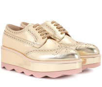Brogues aus Metallic-Leder