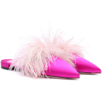 Exklusiv bei mytheresa.com – Slippers aus Satin mit Straußenfedern