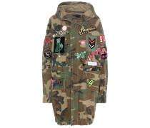 Verzierte Jacke mit Camouflage-Print