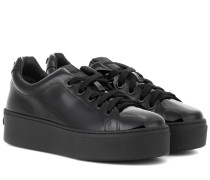Sneakers Signature aus Lackleder