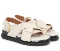 Sandalen aus Leder mit Shearling