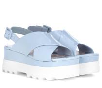 Plateau-Sandalen aus Lackleder