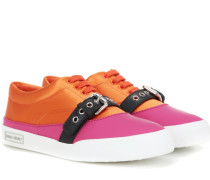 Sneakers aus Satin und Leder