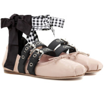 Ballerinas aus Lackleder