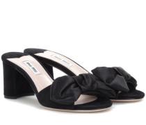 Sandalen aus Veloursleder und Satin