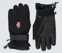 Handschuhe aus Tech-Material