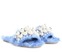 Sandalen aus Faux Fur