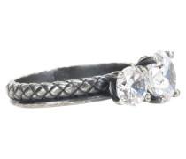 Ring aus oxidiertem Silber mit Zirkoniasteinen
