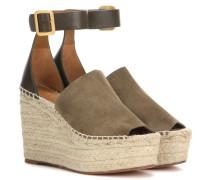 Wedge-Sandalen aus Veloursleder und Leder