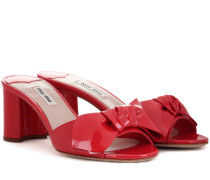 Verzierte Sandaletten aus Lackleder