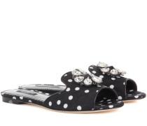 Kristallverzierte Pantoletten mit Polka-Dots