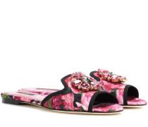 Verzierte Sandalen aus Brokat