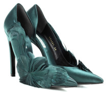 Satin-Pumps mit Federn