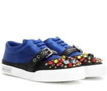 Verzierte Sneakers aus Satin und Leder