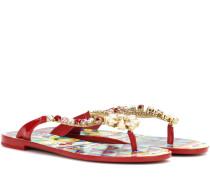 Sandalen mit Kristallverzierung