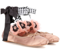 Verzierte Ballerinas aus Satin