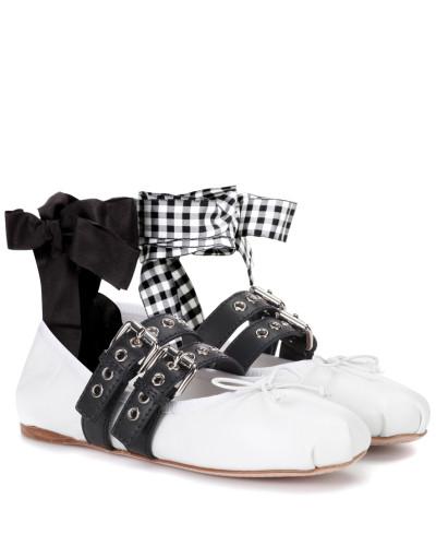 Ballerinas aus Leder