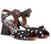 Sandaletten mit Polka-Dot-Print und Bast