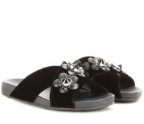 Verzierte Sandalen aus Samt