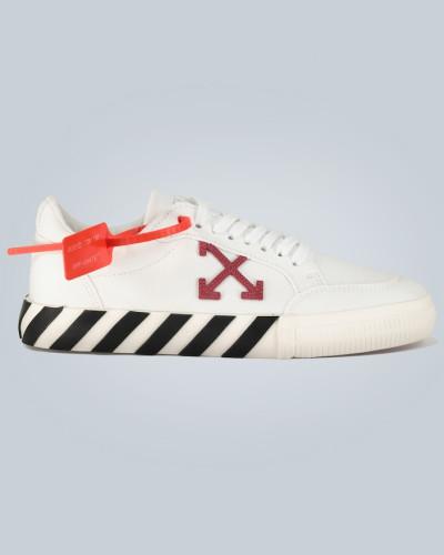 Sneakers mit Arrow-Details