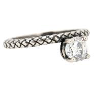 Ring aus oxidiertem Silber mit Zirkoniastein