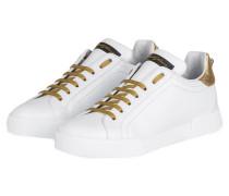 Sneaker mit Perlenbesatz