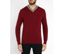 Bordeauxroter Pullover mit kontrastierendem V-Ausschnitt