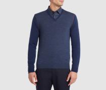 Pullover mit V-Ausschnitt und Rohsaum in zwei Farben: marineblau und rote Paspelierung