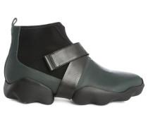 Schwarze Stiefel Rex mit Profilsohle
