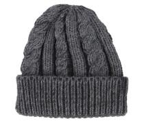 Graue Mütze mit Zopfmuster