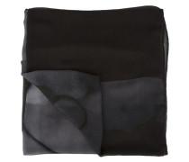 Graues Halstuch mit Pflanzendruck