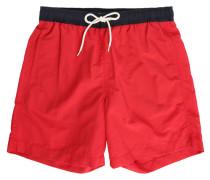 Rote Badehose mit Kontrast-Belt.