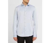 Himmelblaues Twill-Hemd mit Motiv an Ärmelbund und Kragen