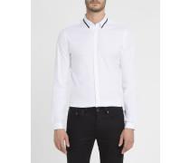 Weißes Slim-Hemd mit kleinem blauen Kragen