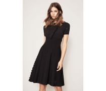 Kleid mit Stickerei Schwarz