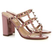 Nietenbesetzte Sandalette 'Mule' aus Lackleder Antique Rosé