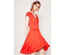 Kleid mit leicht asymmetrischer Form Rot